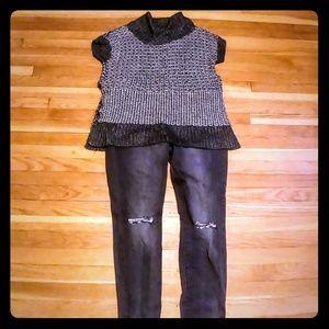 Short-sleeved Hi-Lo tunic sweater w/slits